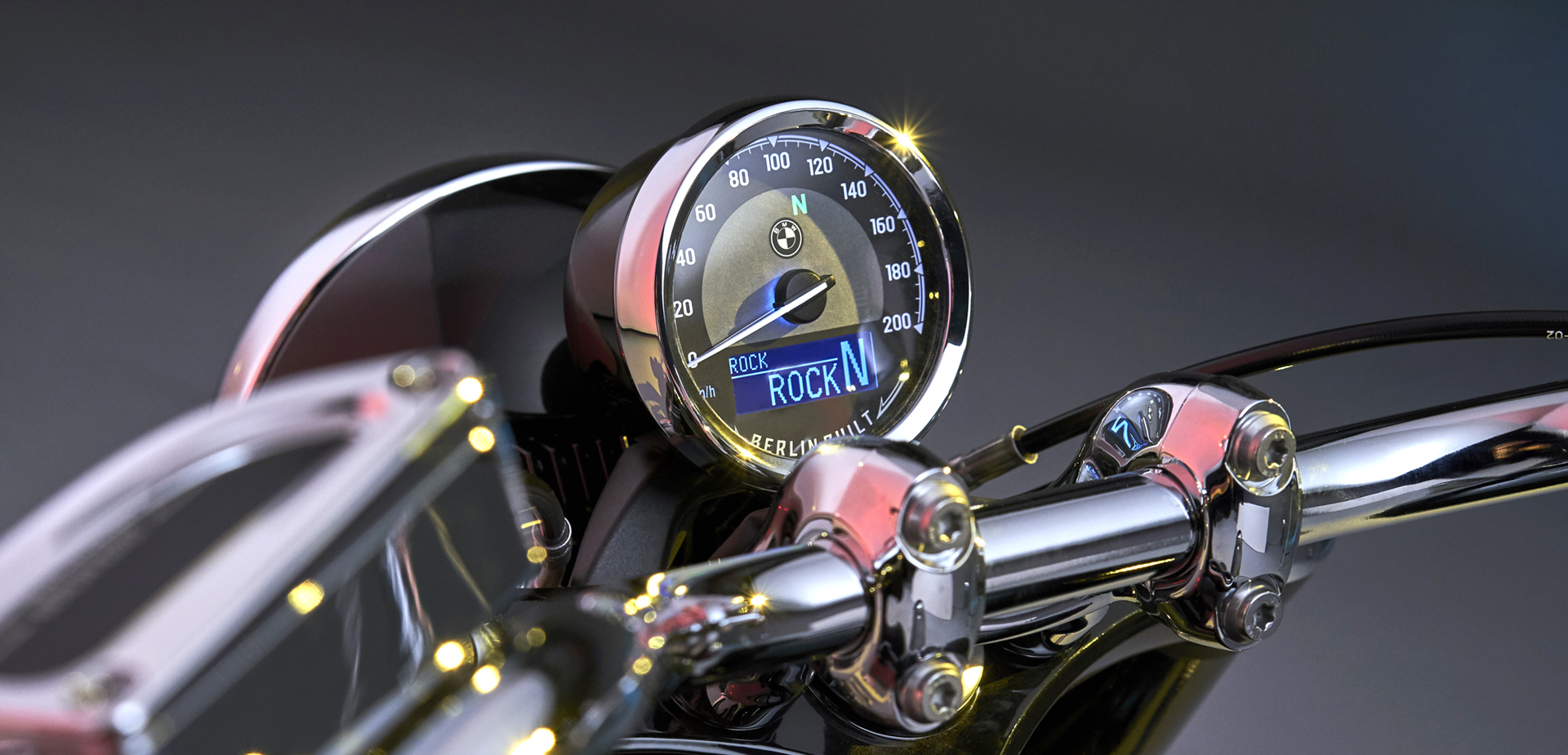 MTA dashboard for the BMW R 18